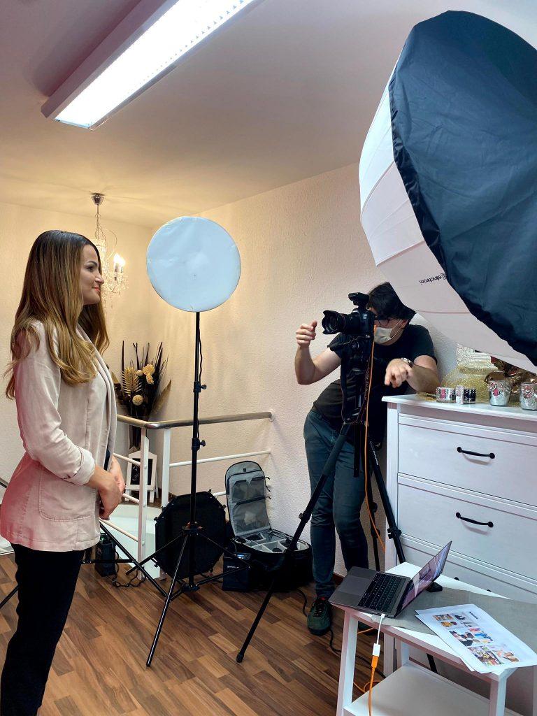 Fotoshooting bei Sendybel Coiffeur & Nailkosmetik (Hinter den Kulissen Aufnahme)